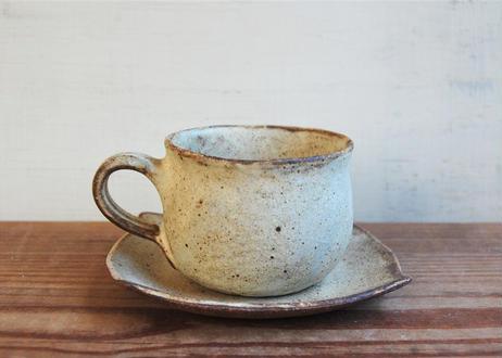 手びねり 幅広コーヒーカップ&ソーサ― 茶