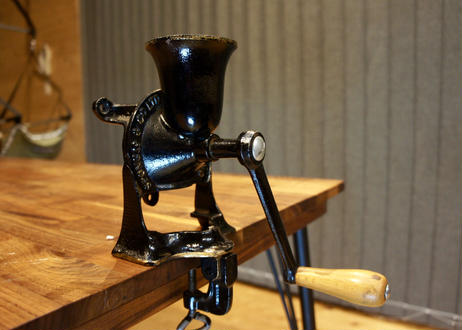 Vintage Spong coffee mill No.1