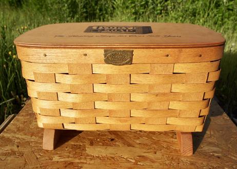 Vintage PETERBORO Basket M