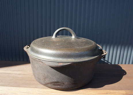 Griswold 10 NO.8 Cast Iron Dutch Oven
