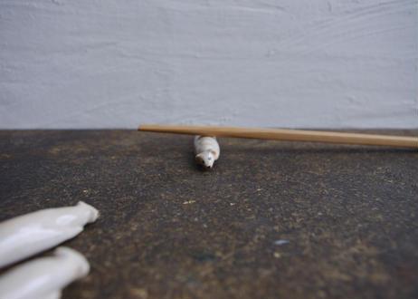 民芸箸枕鶴子・箸置き「おこじょ」1匹