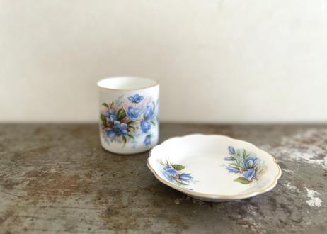 vintage|Royal Grafton|小ぶりなハンドレスカップ&ソーサー