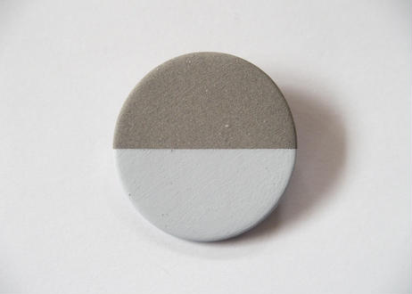 POINT HALF brooch Gray/ White