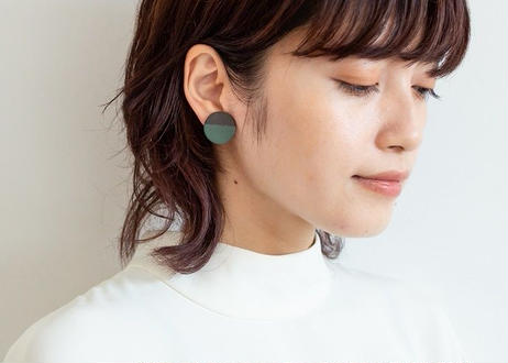 POINT HALF earrings Black / Green