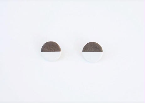 POINT HALF earrings Black / White