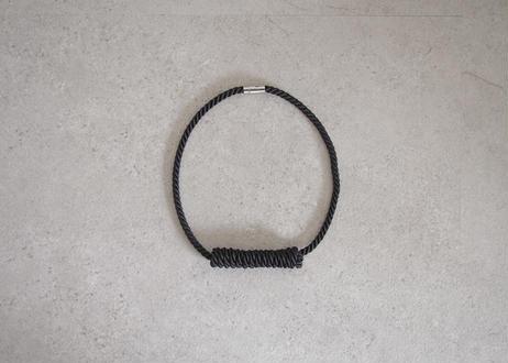 NOEUD Lineknot-necklace S Black