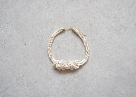NOEUD 8knot-necklac Beige
