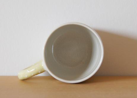 mug me  white/yellow つぶつぶ