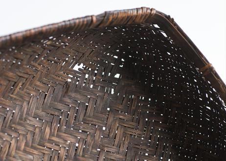飴色の蓋つきカゴ(小さめ)