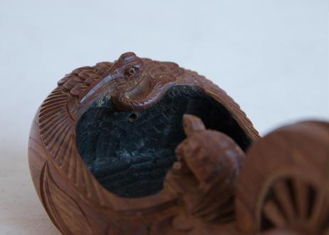 ツルとカメの墨壺
