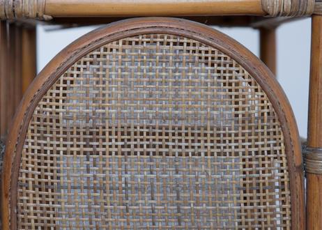 籐のディスプレイ台