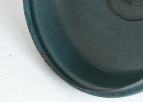 ブルーグレーの穴あきホーローバケツ