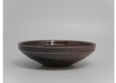 鉄釉皿1 (太亀 作)