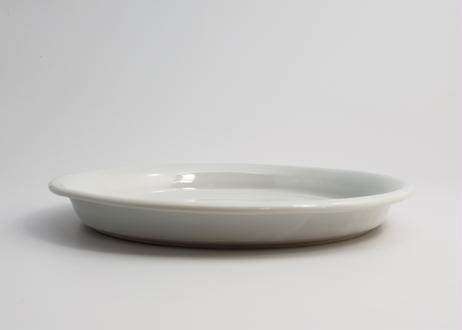 白磁平皿 (隆 作)