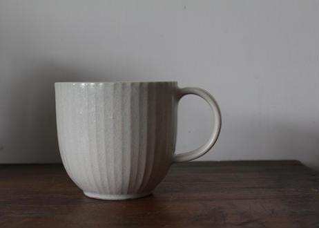 飯高幸作 しのぎマグカップ白