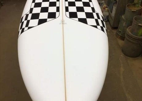 "5'11'' HIGH  PERFORMANCE  ""Debbie""  Air brushed & Hand shaped by Peter Schroff"