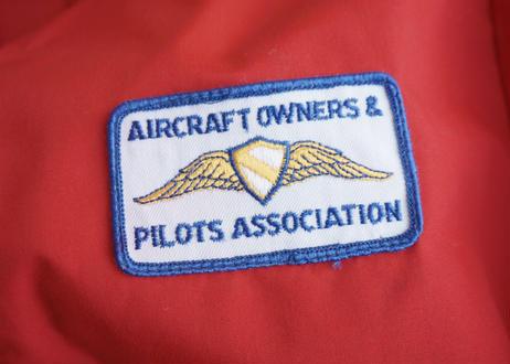 Pilots association swing top