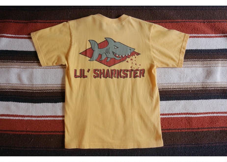 Crazy shirts shark Tee