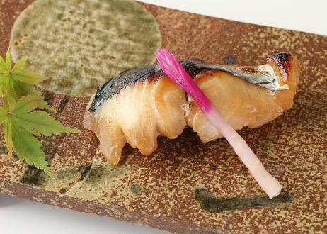 【葵】-aoi- 旬の漬魚セット 【旬の漬け魚2切、鰹節佃煮、黒毛和牛柔らか煮】