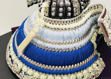 プラチナ箔押 青色正絹段縅 兜飾りセット