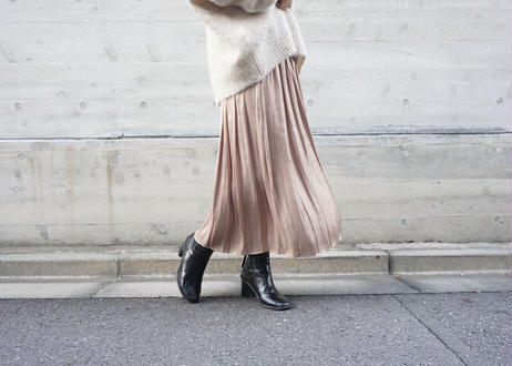 SATIN PLEATS SKIRT