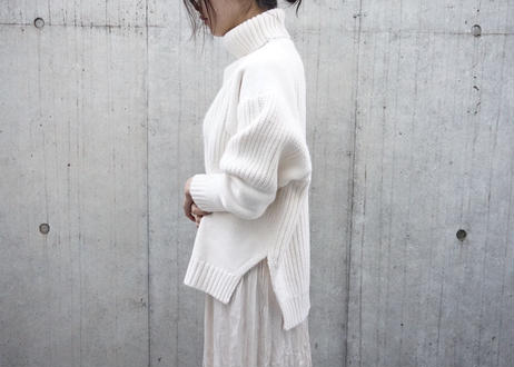 PATTERN BULKY KNIT