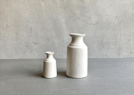 3 lines bottle vase / M / A / white