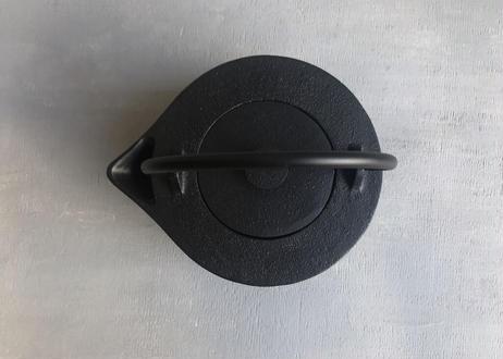 iron kettle