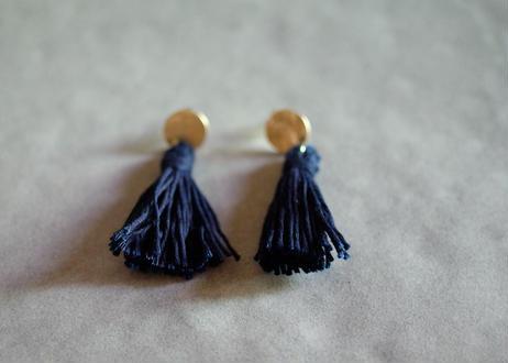 琉球藍染め(濃紺)タッセルピアス