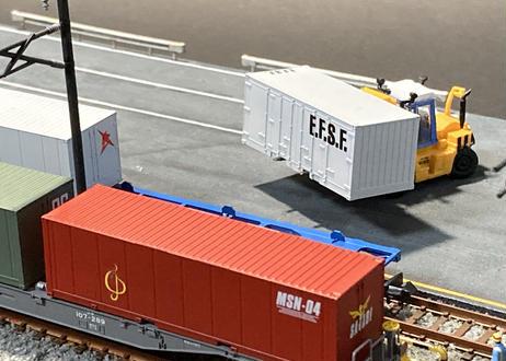 【受注生産】貨物ターミナル(車両展示ケース)