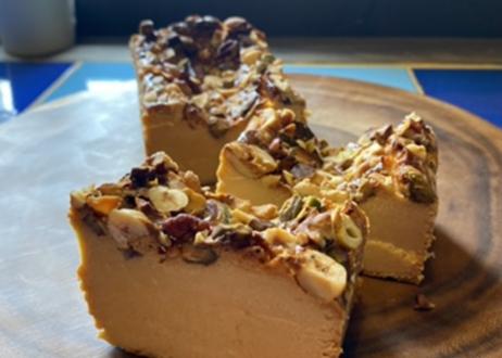 キャラメルナッツチーズケーキとマフィンのセット