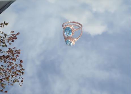 ブルートパーズ 幸運を引き寄せ成功へと導く「喜びとチャンスの指輪」