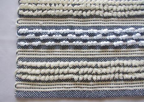 ループ織りのマット Mサイズ