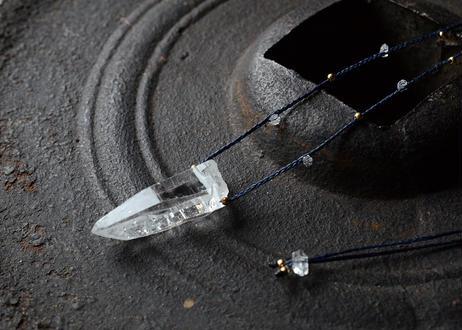 ガネーシュヒマール水晶/一粒の鉱物ネックレス119