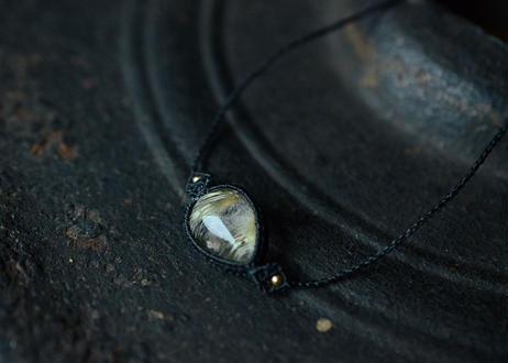 ルチルクォーツ/一粒の鉱物ブレスレット