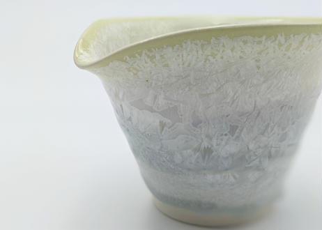 B105 雪結晶釉かたくち