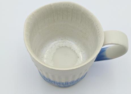 B99 色彩結晶釉マグカップ 白×ブルー