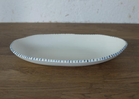 A84白釉マットだ円鉢