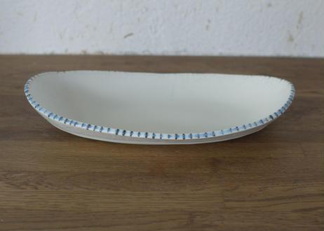 A85白釉マットだ円鉢