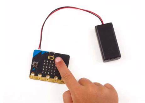 BBC micro:bit v2 go bundle (オンライン教材、USBケーブル、電池ケース、電池 つき)