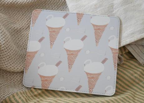 マウスパッド『ソフトクリームのスワン』
