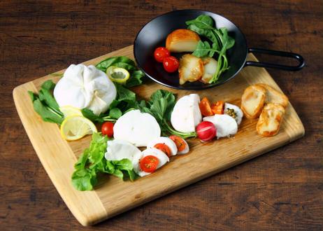 【Osteria e Bottega S】自家製 フレッシュチーズ4種セット(商品コード:TF530374)