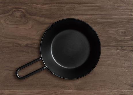 ナウ産業「Tetsu Konabe」錆びない鉄鍋 綾瀬ものづくり研究会(商品コード:TG400258)