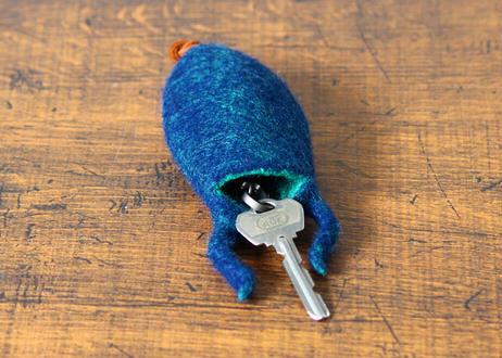 【YOMORU】羊毛フェルト「脚の生えたキーケース」(商品コード:TG430264)