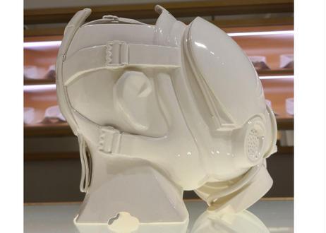 七代渋草柳造/Shibukusa Ryuzo Pottery    -GASMASK POT-