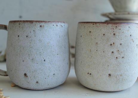 鉄粉のあるマグカップ 丸底 静かで豊かな時間