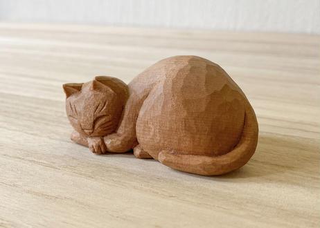 眠り猫[台座付き]   3 腕組み