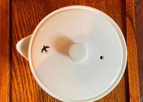 つばめさぼう 白磁  泡瓶