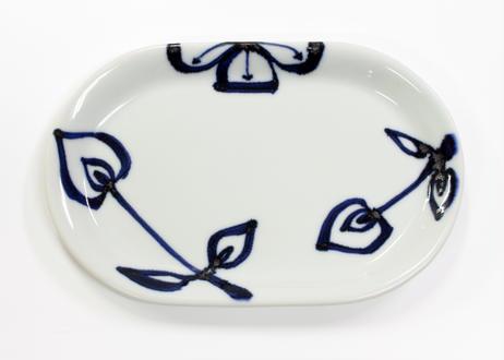 楕円皿 四弁花