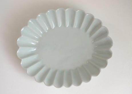 青白磁楕円輪花皿